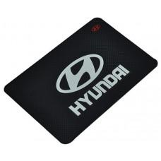 Коврик на панель Hyundai