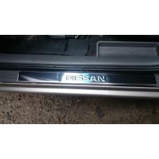 Накладки на пороги Nissan-Almera-N17 штамп