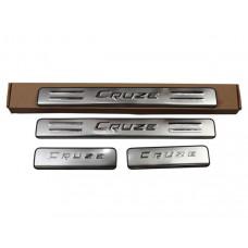 Накладки на пороги Chevrolet-Cruze v1